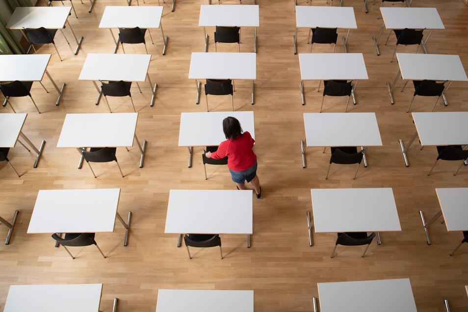 Besonders ärgerlich finden die Kreiselternräte, dass es noch keinen konkreten Zeitpunkt gebe, wann alle Schüler wieder in die Schulen zurückkehren dürfen.