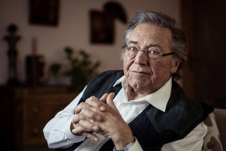 Der Tenor, Dirigent und Kammersänger Peter Schreier erlag am 25. Dezember einer langen Krankheit. Er wurde 84 Jahre alt.