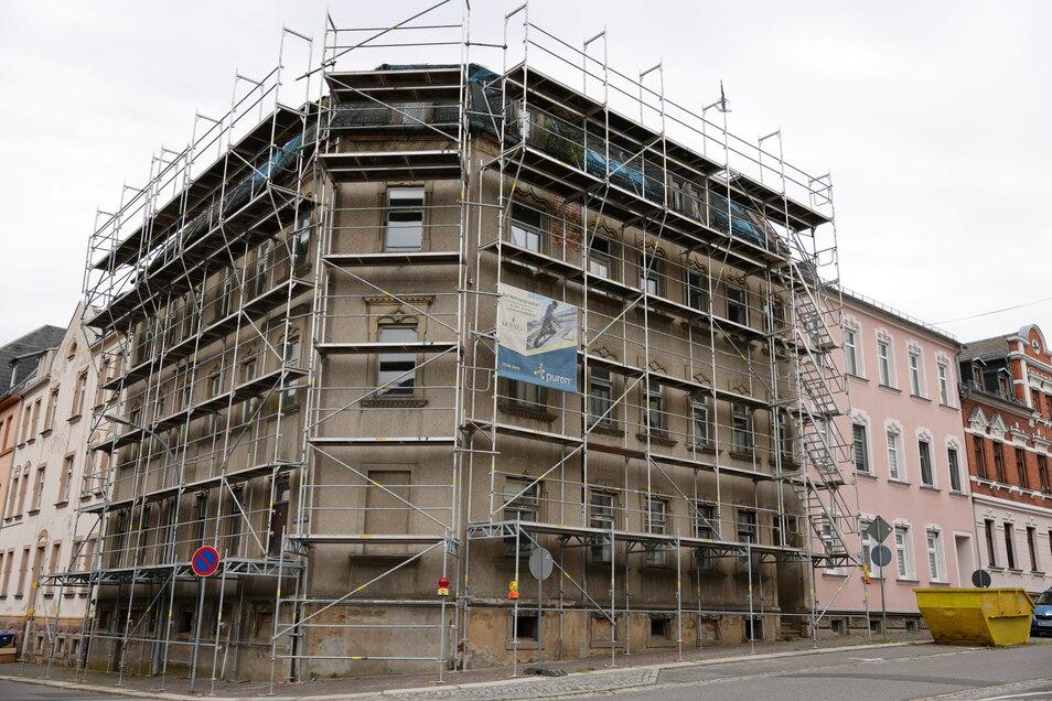 Das Eckhaus an der Pestalozzi-/Franz-Mehring-Straße in Hartha wurde Ende 2019 verkauft. Ab 2022 sollen darin neue Mieter unterkommen.