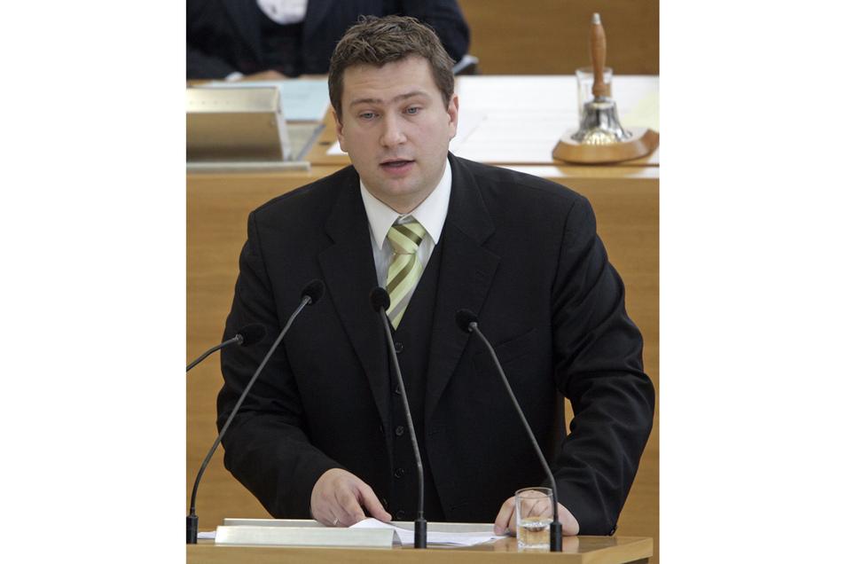 SPD-Fraktionschef Dulig, spricht am 20.12.2007 während einer Sondersitzung des Landtages zum Verkauf der angeschlagenen sächsischen Landesbank nach Baden-Württemberg.