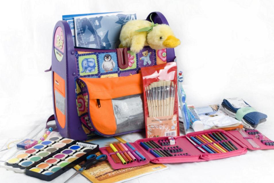 """Für die Aktion """"Helfen macht Schule"""" können in Kamenz gebrauchte Ranzen abgeben werden - entweder leer oder gefüllt mit Schulmaterial."""