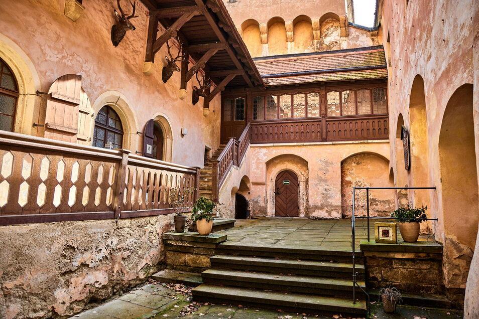 Der Putz bröckelt: Auf Schloss Kuckuckstein in Liebstadt besteht enormer Sanierungsbedarf.