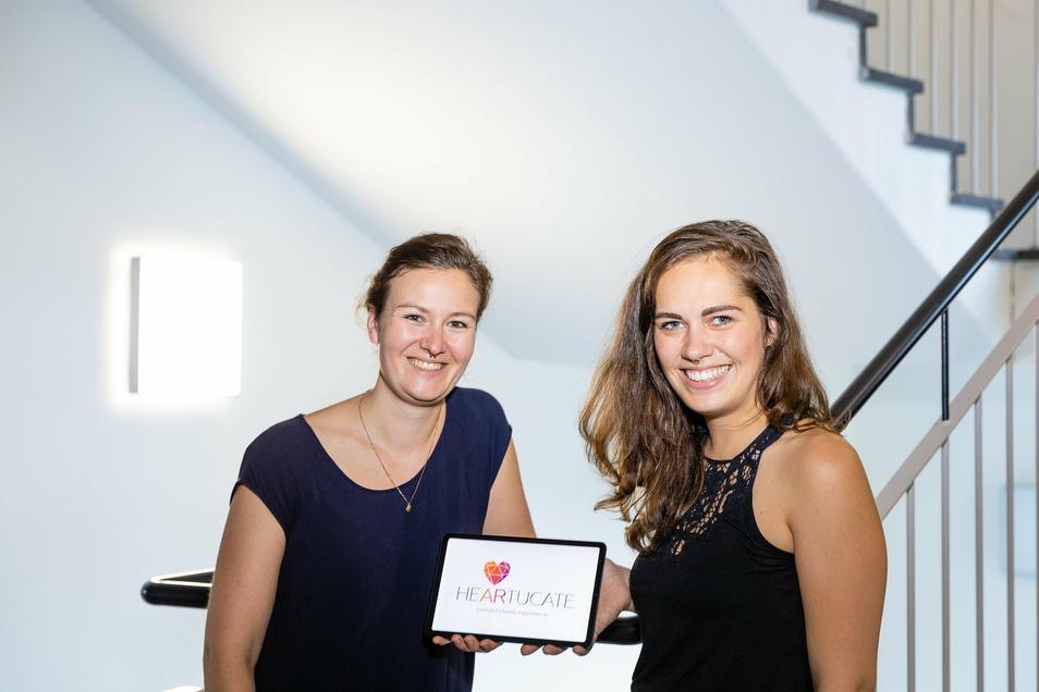 Sie wollen schnelles Internet für den Gruppenunterricht nutzen: Anna Kirchberg (links) und Franziska Weser gründen gerade ein Unternehmen in Leipzig.