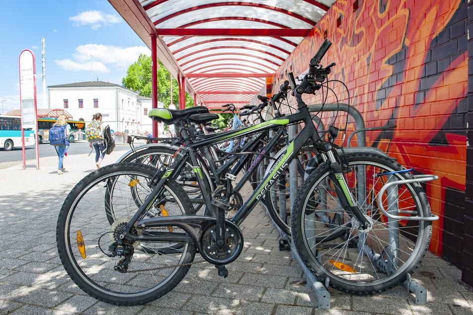 Laut ADFC hat der Cottbuser Bahnhof in Großenhain die besten Fahrradabstellanlagen in Sachsen.