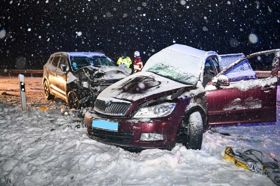 Die Fahrerin des Skoda wurde bei dem Unfall auf der B6 tödlich verletzt.