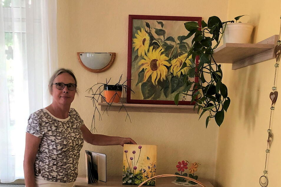Petra Rothe liebt es, in ihrer Freizeit zu malen. Nun stellt sie ihre Bilder in der Begegnungsstätte aus.