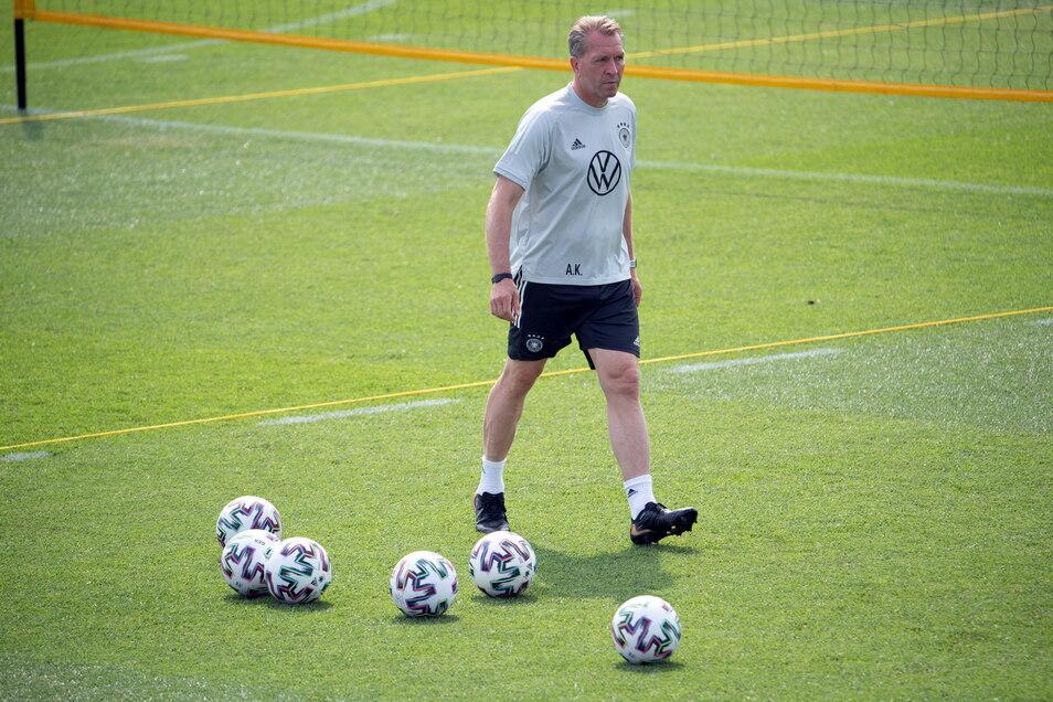 Deutschlands Torwarttrainer Andreas Köpke in Aktion