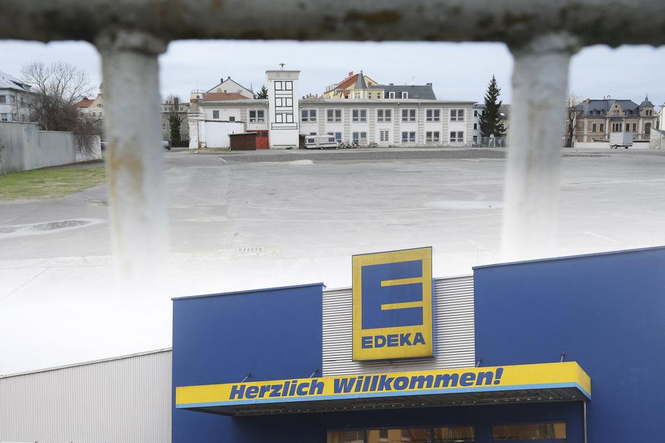 Edeka will an der Pausitzer Straße einen neuen Markt errichten. Ein solches Angebot fehlt bisher, heißt es im Einzelhandelskonzept.