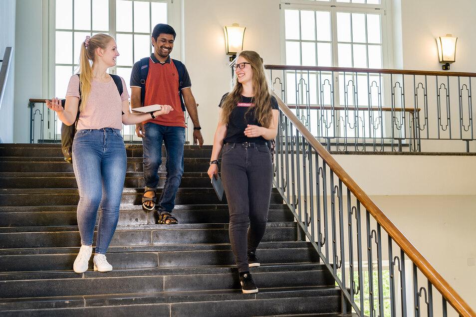 Beim Campustag stellt sich die HTW Dresden am 4. Juli künftigen Studierenden vor.