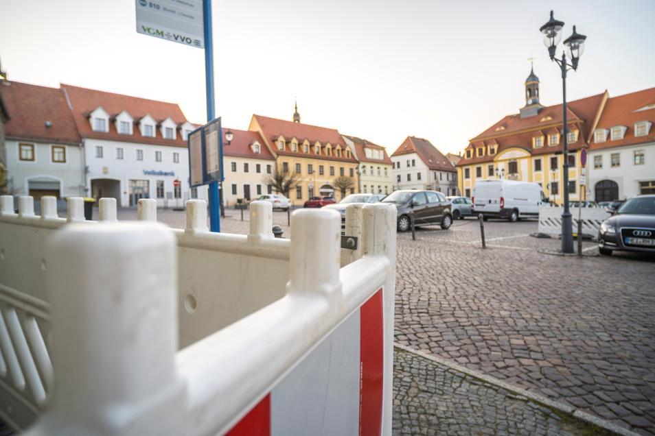 Auf dem Strehlaer Rathausplatz soll es über mehrere Monate zu umfangreichen Tiefbauarbeiten kommen.