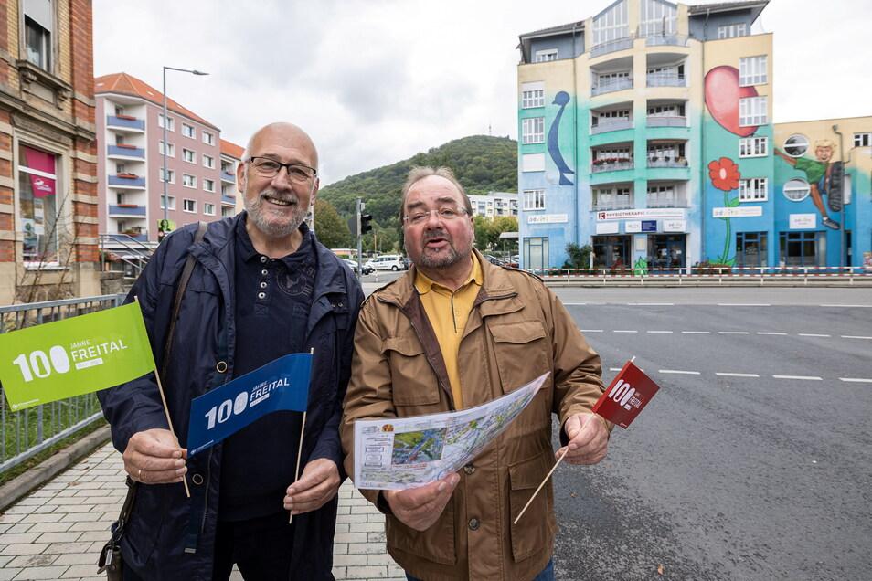 An Wink-Elementen soll es nicht fehlen. Dr. Jürgen Schaufuss und Mario Bielig haben den kilometerlangen Festumzug in Freital maßgeblich organisiert.
