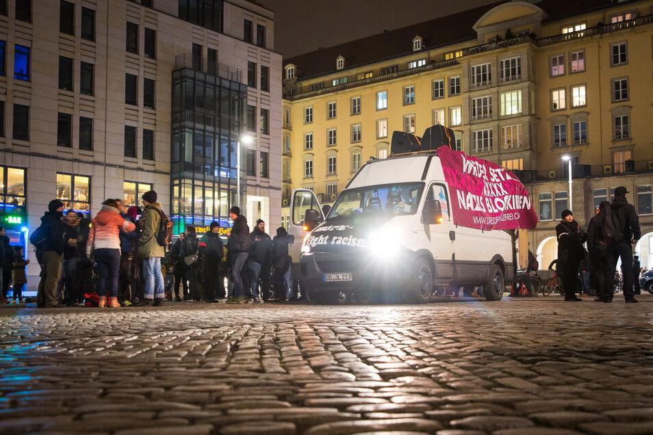 Landeten auch ihre Daten beim Verfassungsschutz? Einer der vielen Demonstrationen rund um den 13. Februar in Dresden.