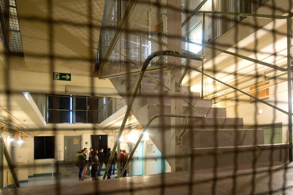 Im ehemaligen Stasi-Gefängnis in der Bautzner Straße