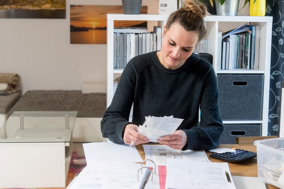 Rechnungen aufheben für die Steuererklärung: Computer mussten bisher über die Nutzungsdauer abgeschrieben werden. Das hat sich jetzt geändert.