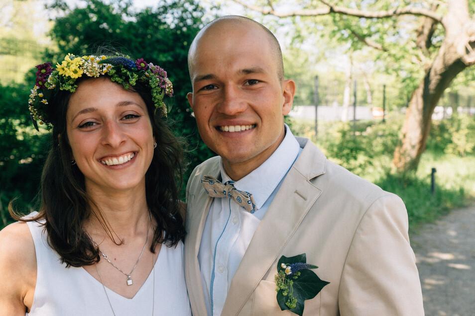 Der Kanute Franz Anton aus Löthain mit seiner Ehefrau Rebekka zur Hochzeit 2016.