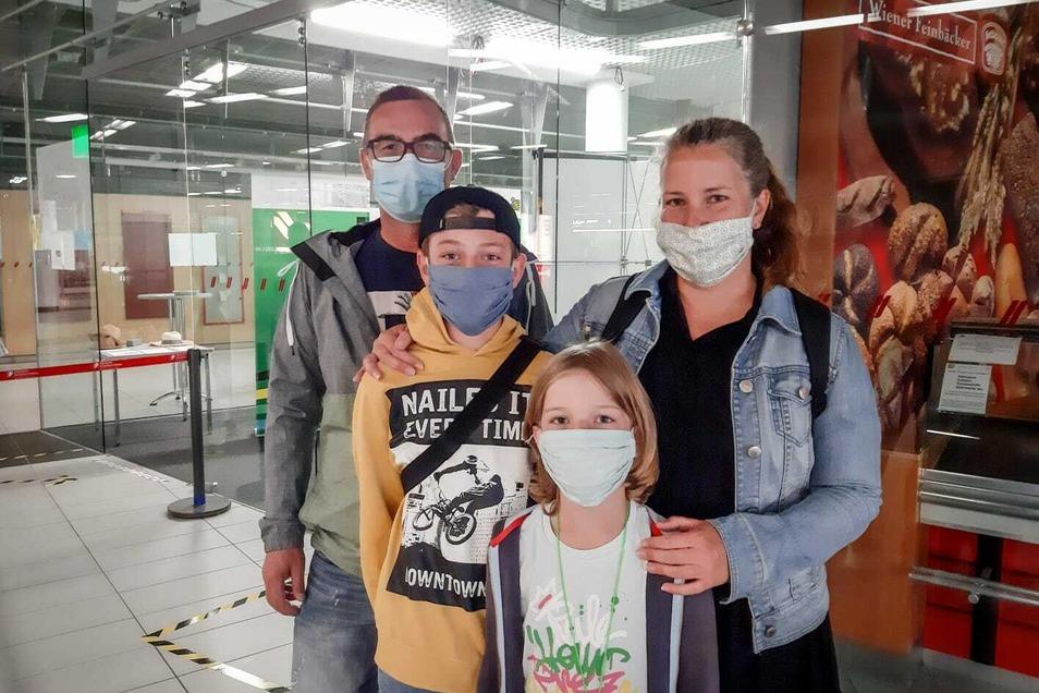 Familie Fabisch aus Dresden: Corona-Tests, um die Großeltern zu schützen.