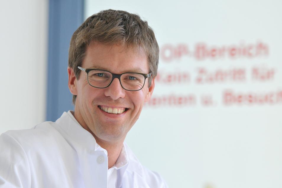 Dr. Ullrich Krohs ist Chefarzt im Klinikum Ebersbach.