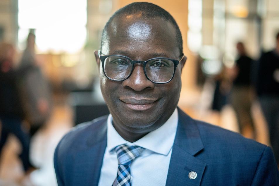 Im Januar hatte der SPD-Bundestagsabgeordnete Karamba Diaby aus Halle eine ähnliche Morddrohung vom mutmaßlich selben Absender erhalten.