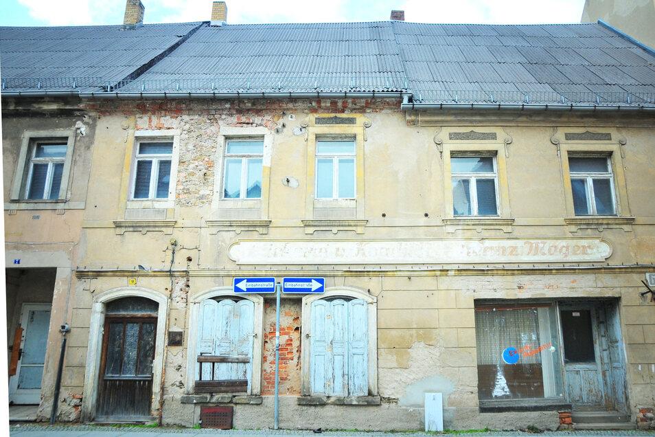 An der Siegelgasse 9 ist noch viel zu tun. Das Haus ist ruinös, steht aber unter Denkmalschutz.
