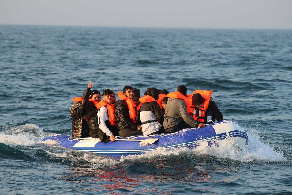 Noch immer versuchen tausende Menschen übers Meer in europäische Länder zu kommen, viele auch nach Deutschland.