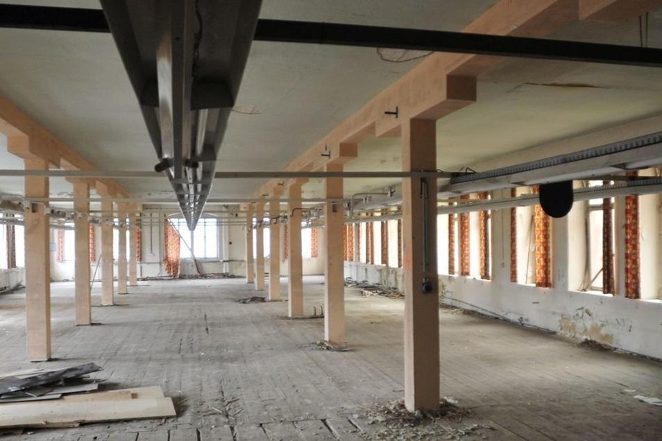 ... sowie auch die Werkhallen der Herrenmode Neugersdorf.