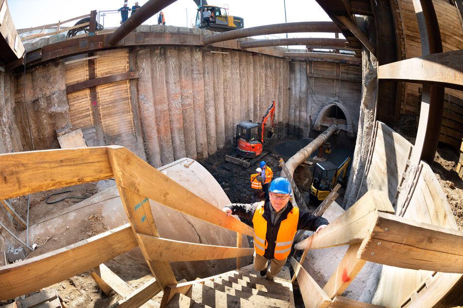 Kanalbau Rathenauplatz Stadtentwässerung, Heiko Nytsch (46) Projektleiter, Baustelleneinrichtung Rathenauplatz, hinter Carolabrücke, Foto: Rene Meinig