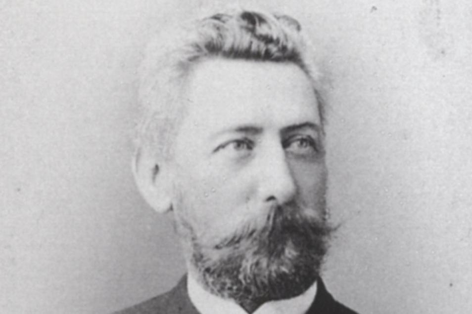 Robert Ludwig Sputh lebte von 1843 bis 1913. Der Unternehmer war der Erfinder des Bierdeckels. Das Foto entstand etwa um 1890.