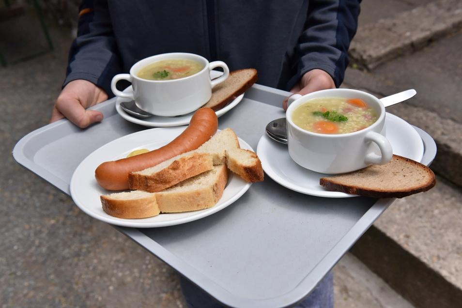 Bockwurst und Gräupcheneintopf sind die Imbiss-Klassiker aus der Bergbaudenküche.