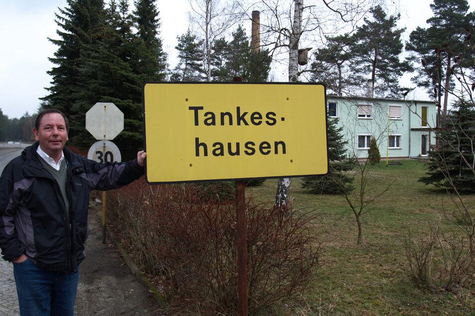 """Harald Schwarz hat seit 1997 das ehemalige Tanklager der NVA bei Hähnichen zu einer lebenswerten Siedlung namens """"Tankeshausen"""" ausgebaut.  Hier hat er nicht nur seinen Firmensitz. Rund 20 Menschen fanden hier eine neue Wohnung und ein neues  Heim. Archivfoto: Bernhard Donke"""