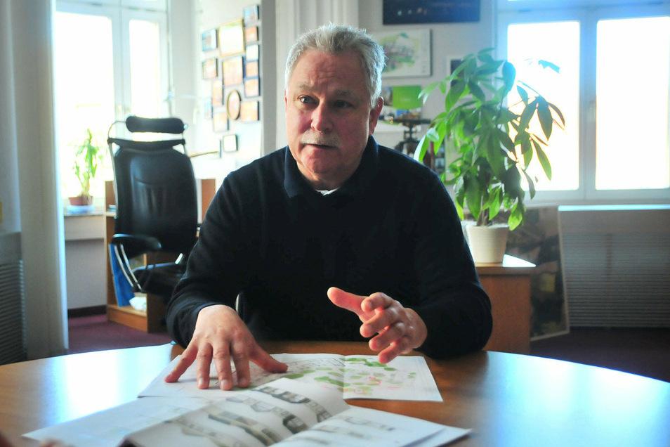 Großenhains Stadtbaudirektor Tilo Hönicke gerät beim Erzählen über den Kindergartenneubau ins Schwärmen. Das Haus soll kreisweit neue Maßstäbe setzen.