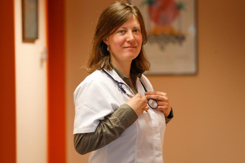 Marina Sarf ist die neue Ärztin in der Herrnhut. Sie ist die Nachfolgerin von Dieter Gärtner und arbeitet als angestellte Ärztin bei Ute Taube.