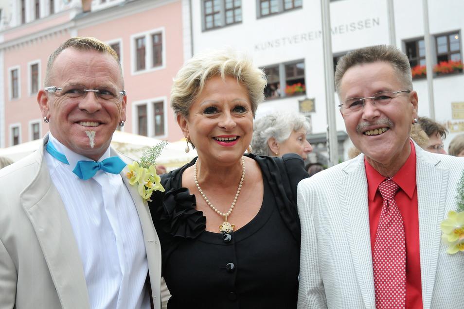 Der jetzt verstorbene Musiker Bernd Warkus und Promi-Wirt Ullrich Baudis gaben sich am 20. Juni 2012 das Ja-Wort in Meißen. Zahlreiche DDR-Unterhaltungspromis wie Dagmar Frederic waren zu Gast.