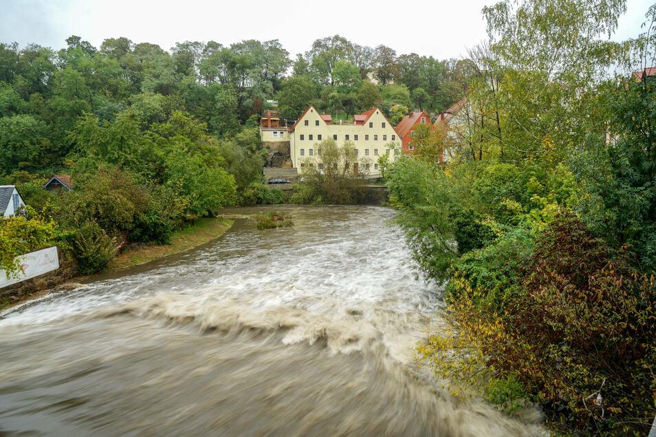 In Bautzen ist die Spree am späten Mittwochnachmittag bis zur ersten Hochwasser-Alarmstufe gestiegen. Mittlerweile sind die Pegel fast überall wieder gesunken.