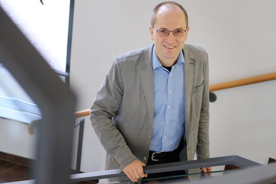Nossens Bürgermeister Uwe Anke muss aufgrund der Wahlverschiebung ein paar Monate länger im Amt bleiben.
