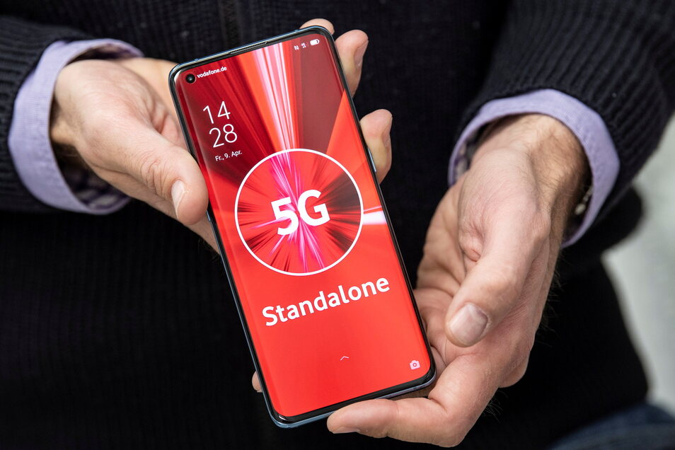 """Im Landkreis Bautzen hat Vodafone jetzt die ersten """"5G-Standalone""""-Standorte ans Netz angeschlossen. Damit soll das Surfen im Internet noch schneller werden."""