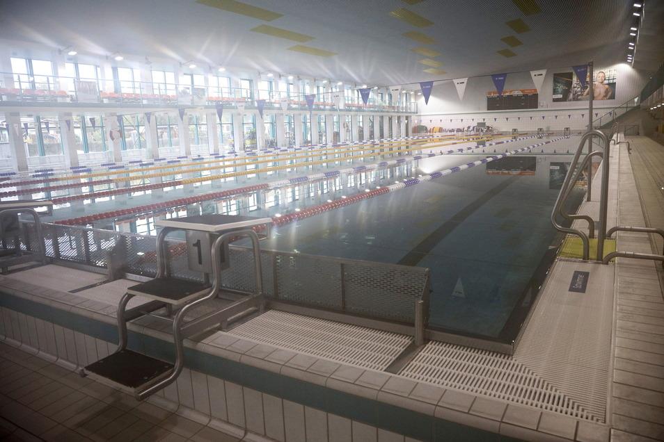 Zeitweise mussten wegen Wartungsarbeiten einige Kurse im Hallenschwimmbad ausfallen. Nun ist auch das Sprungbecken wieder nutzbar.