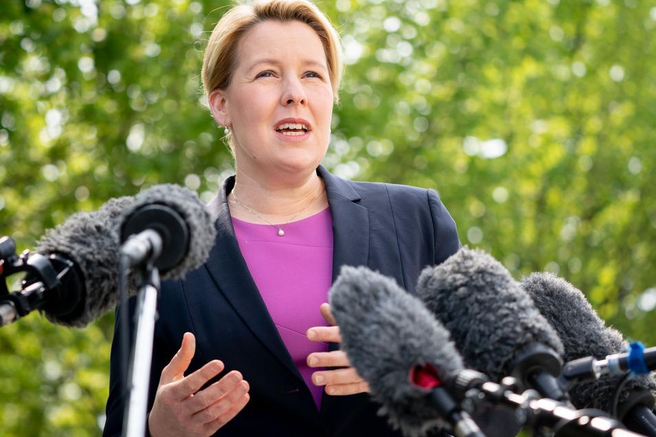 Franziska Giffey (SPD), Bundesministerin für Familie, Senioren, Frauen und Jugend, will mehr Druck auf Unternehmen machen, die kaum Frauen in den Vorständen haben.