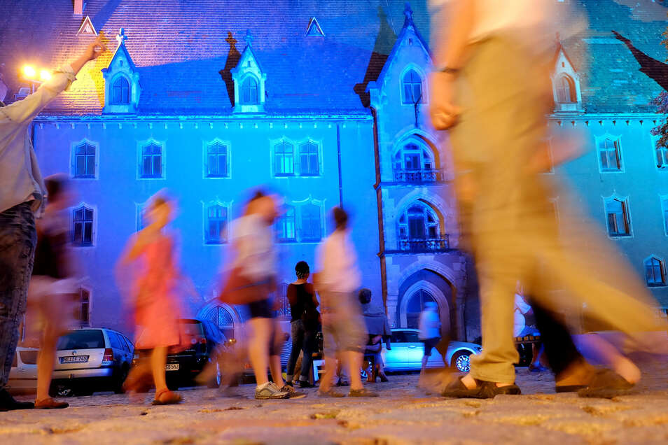 Nachtschwärmer und Kulturfreunde können am 7. September ab 18 Uhr bei der Langen Nacht der Kunst, Kultur und Architektur in Meißen wieder nach Herzenslust Flanieren, Entdecken und Genießen.
