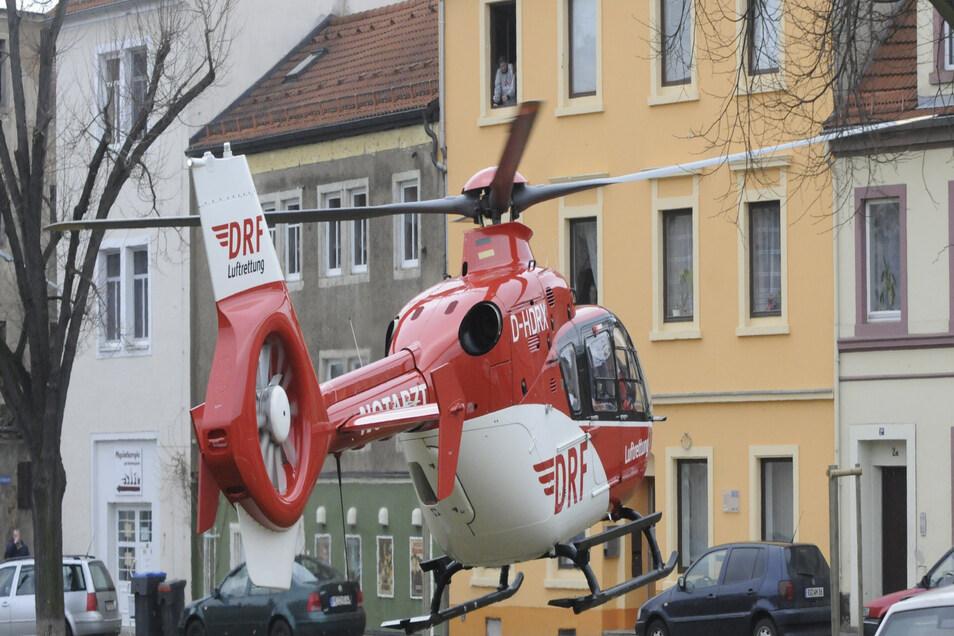 2012 musste der Rettungshubschrauber am Rahmenplatz landen, weil es am Steinweg/ Radeburger Platz einen schweren Unfall gab.