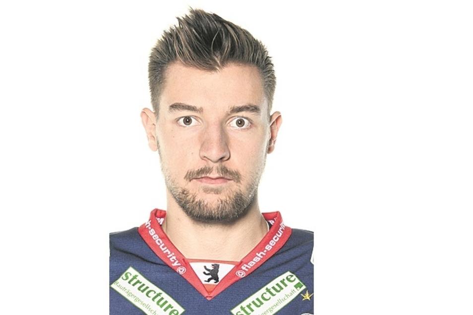 Fabian Dietz:Nr. 87 Sturm, geb. 29.11.98 in Weilheim, 1,81 m/85 kg, Profispiele: 223/34 Tore/31 Assists, Förderlizenz, Vereine: Peiting, Eisbären Berlin