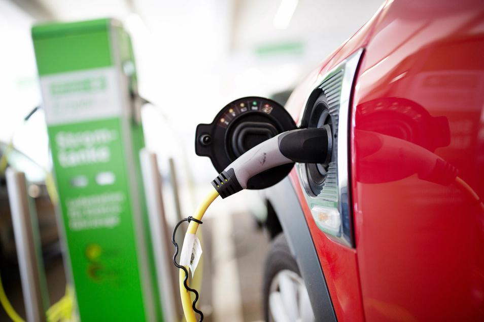 Auch das Landratsamt will in Zukunft auf Elektroautos setzten.