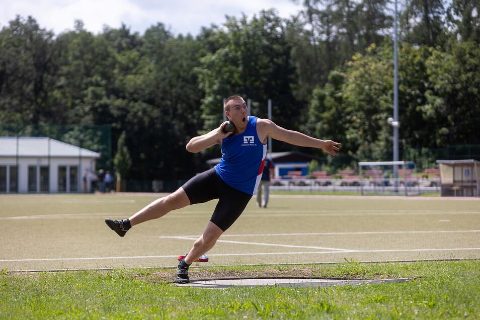 Lukas Schober ist auf dem Weg einer der erfolgreichsten Sportler zu werden, die Freital je hatte. Auf dem Weg in die Weltspitze des Sports will die Stadt das große Talent des Teenagers unterstützen.