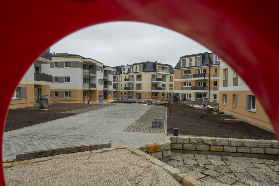 Zwei Drittel der neuen Genossenschaftswohnungen zwischen Meißner Straße und Maxim-Gorki-Straße sind schon bezogen, der Spielplatz ist im Bau.