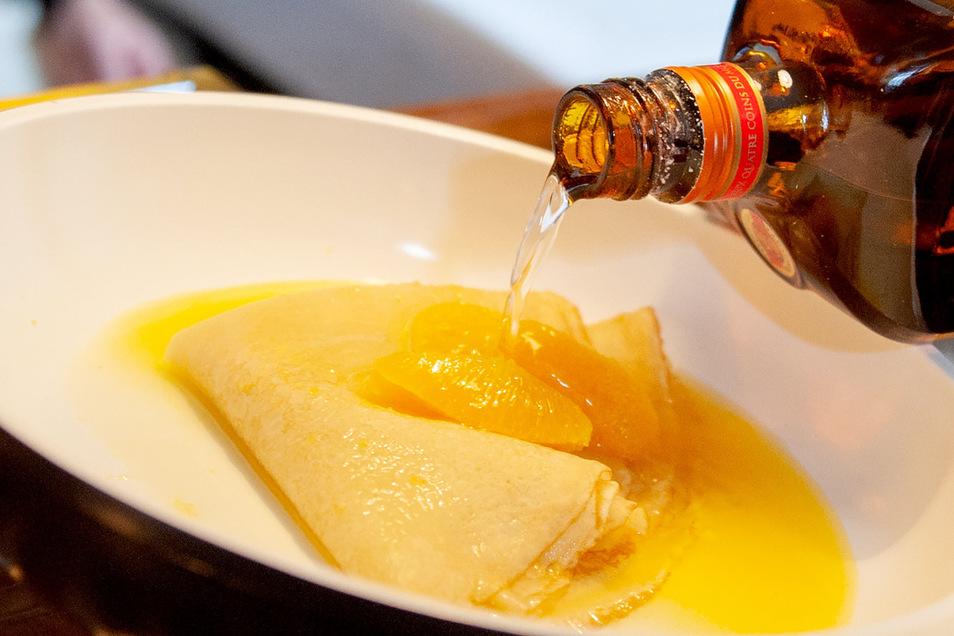 Gute Küche mit Schwips:Auch Profiköche nutzen in vielen Gerichten ganz selbstverständlich Alkohol - im Crêpe Suzette etwa.