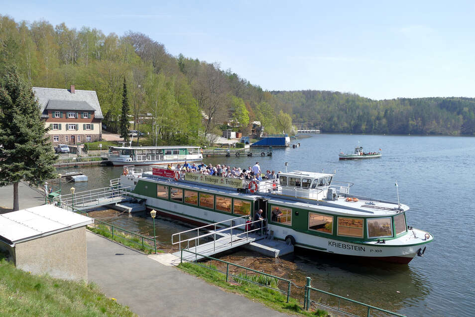 Das schöne Wetter zu Ostern nutzten viele Besucher der Talsperre Kriebstein für eine Schifffahrt. Wenn der Freistaat Fördergeld zuschießt, könnte die in nächsten zwei Jahren deutlich aufgewertet werden.