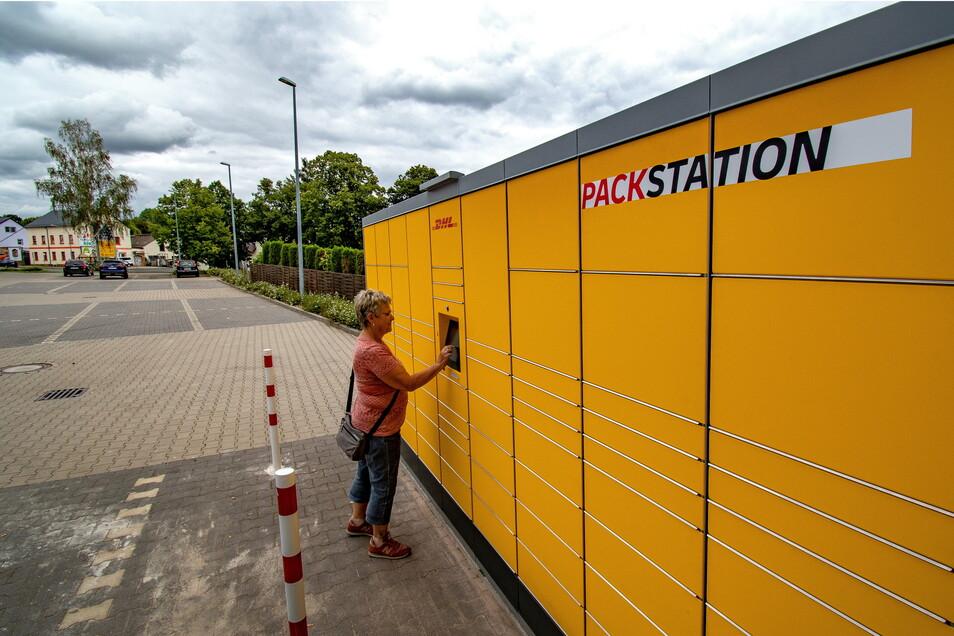 In Döbeln gibt es mittlerweile drei DHL-Packstationen und auch ein ähnliches Modell, das die Döbelner Firma Knobloch konzipiert hat und welches Mieter der Wohnungsgenossenschaft (WG) Fortschritt nutzen können.