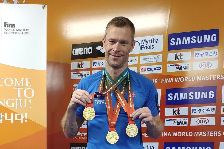 Bildunterschrift: Der Pirnaer Wasserspringer gewann bei der Masters-WM in Gwangju sieben Medaillen, darunter drei goldene.