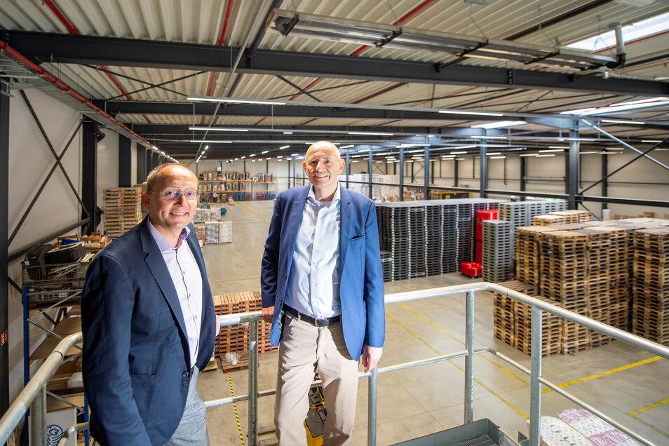 Im Glück. Speditionschef Andreas Hanitzsch (links) ist sich mit Bodo Hollung, Geschäftsführer von LIP Invest, einig geworden. Die Spedition konnte eine Logistik-Immobilie für zehn Jahre anmieten.