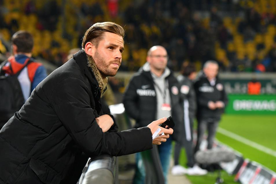 Im November 2019 war Justin Eilers zu Besuch im Rudolf-Habrig-Stadion. Viele Dynamo-Fans hatten gehofft, dass er auch in der kommenden Saison mit dem VfB Lübeck zu Gast sein wird. Doch daraus wird vorerst nichts.