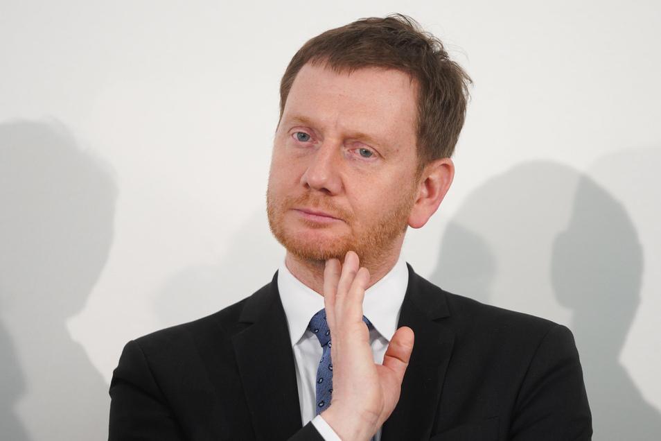 Sachsens Ministerpräsident Michael Kretschmer hat Beschäftigten und Unternehmern Hilfe zugesichert.